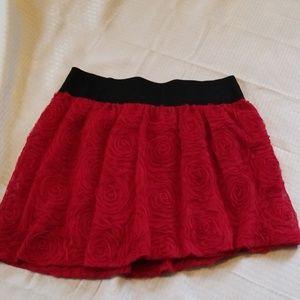 Pretty mini red and black skirt sz large